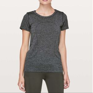 Lululemon swiftly tech short sleeve relaxed fit⭐️
